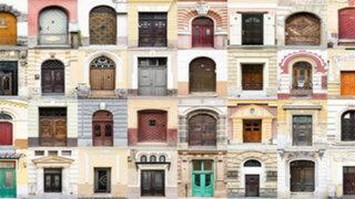 Este fotógrafo viaja por el mundo solo para capturar imágenes de las puertas y ventanas