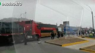 Pobladores bloquean la Panamericana Norte por constantes accidentes