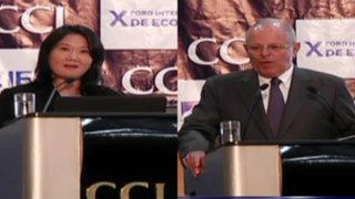 Keiko Fujimori y PPK se presentaron en foro de la Cámara de Comercio de Lima