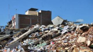 Rafael Correa anuncia aumento de impuestos tras terremoto en Ecuador
