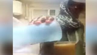 VIDEO: sorprenden a trabajadora del hogar echando orina en el jugo de su jefe