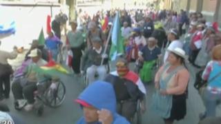 Bolivia: lanzan gases lacrimógenos a personas con discapacidad
