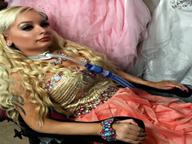 Jasmin Britney, la joven cuadrapléjica que gasta miles de dólares para ser como una Barbie