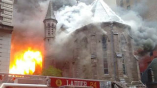 Estados Unidos: gigantesco incendio consumió histórica catedral