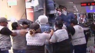 Retiran a cientos de ambulantes del emporio comercial de Gamarra
