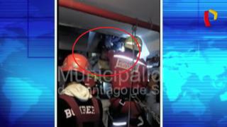 Rescatan a hombre atrapado en ascensor en Surco