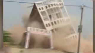 Impactantes imágenes del desplome de un edificio en la India