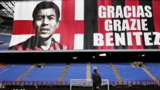 Peruano 'Conejo' Benítez recibe emotivo homenaje en Italia