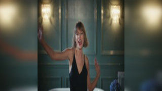Taylor Swift realiza desenfrenado baile para comercial