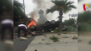 EEUU: sujeto arriesga la vida para salvar a hombre de morir quemado