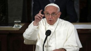 """Papa Francisco: """"¡Por favor, no más terrorismo!"""""""