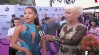 VIDEO: Ariana Grande sufrió resbalón en los Premios Billboard