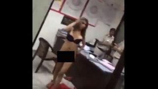 FOTOS: mujer se desnuda en una comisaría de la India y se pelea con policías