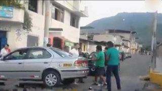 Chanchamayo: transportistas se pelean por pasajeros en plena calle