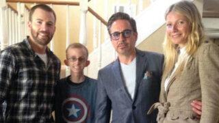 Elenco de la película Los Vengadores visita a joven con leucemia