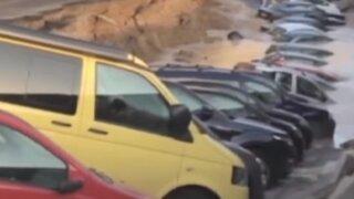 Italia: pista colapsó y autos quedaron atrapados