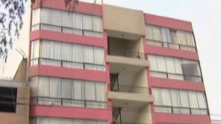 Delincuentes roban dos departamentos en San Borja
