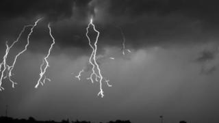 EEUU: registran tormenta eléctrica 'cuadro por cuadro'
