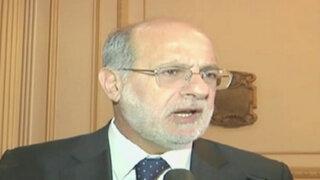 Daniel Abugattás vuelve al Congreso tras suspensión