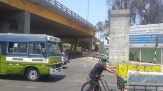 Whatsapp: semáforo malogrado en la esquina de Universitaria con Venezuela