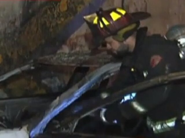 Tumbes: conductor muere calcinado tras chocar su auto contra camioneta