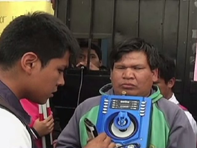Protestan por posible cierre de única escuela braille del país