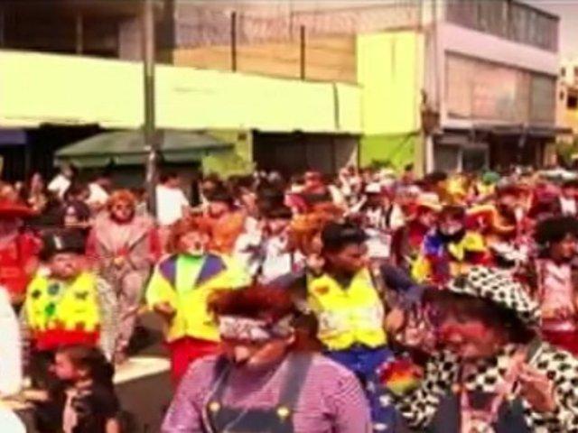A reír: celebran el 'Día del payaso peruano' con colorido pasacalle