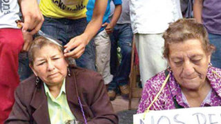 FOTOS: rapan a profesores por dictar clases durante paralización