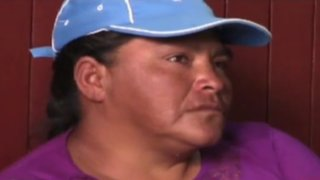 Huancayo: vendedora ambulante intentó golpear a policías