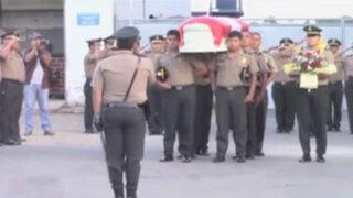 La Libertad: sepultan a policías ahogados en laguna al escapar de turba