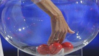 Joseph Blatter confirmó el uso de las 'bolas frías y calientes' en sorteos