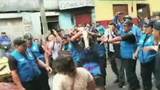 Iquitos: comerciantes usan pescados para atacar a serenos