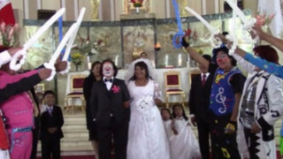 "Huancayo: reconocido ""Chupetín"" se casó vestido de payaso"