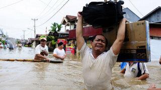 Más de 35 muertos deja inundaciones y deslaves en Indonesia