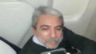 Insultan a expremier de Cristina Fernández en pleno avión