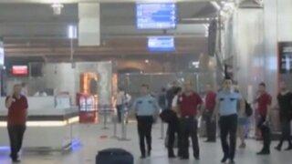 Atentado en aeropuerto de Turquía dejó 30 muertos