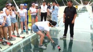 China: ponen a prueba el puente de cristal más largo del mundo