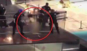 EEUU: hombre desnudo saltó desde plataforma de Times Square