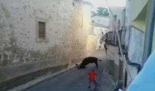España: hombre sufre brutal cornada en un encierro de toros