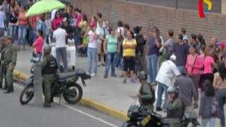Venezolanos pierden sus trabajos por firmar revocatoria contra Maduro