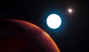 Astrónomos descubren planeta con tres soles