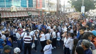 Maduro abre frontera con Colombia para que venezolanos compren comida
