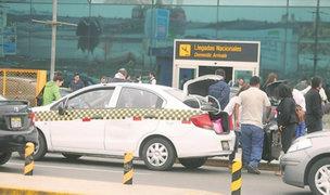Callao: realizan operativo contra taxis informales en el aeropuerto Jorge Chávez