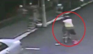 China: hombre se incendió tras intentar salvar a otro que pretendía quemarse