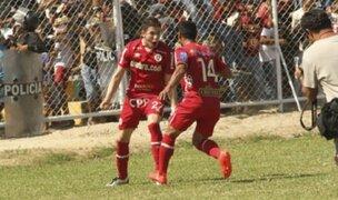 Universitario ganó 3-2 a Alianza Atlético y sigue siendo líder del campeonato