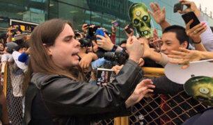 Dross Rotzank alborotó a fans peruanos a su llegada a Lima [VIDEOS]