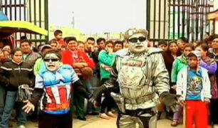 'Robotín': un cazatalentos suelto en las calles de Lima