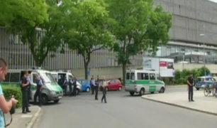 Hombre desata balacera y mata a un médico en clínica de Alemania