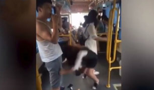 YouTube: hombre queda en prendas íntimas tras peculiar incidente