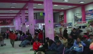 Precio de los pasajes se elevan hasta en 700% en terminal de Yerbateros